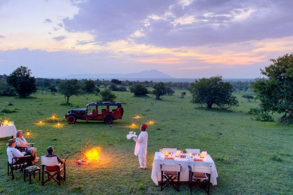 You can enjoy bush dining in Kenya throughout the year. © Cottar's 1920s Camp
