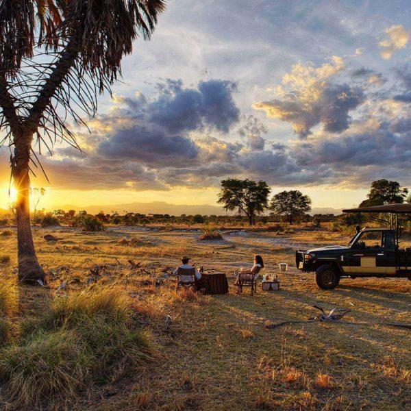 Bush sundowners are a must when staying at Elsa's Kopje Meru in Meru National Park. © Elewana Collection