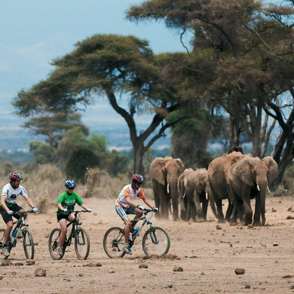 Mountain biking near ol Donyo Lodge lets you experience the wilderness in a unique way. © Great Plains Conservation