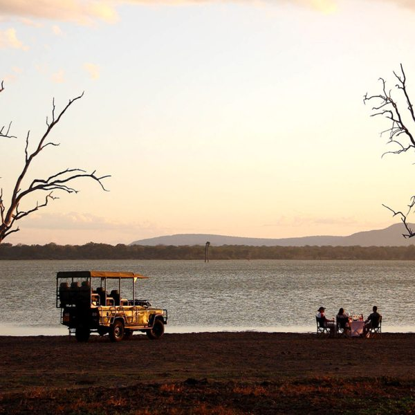 Have sundowners on the shores of Lake Nzerakera when staying at Siwandu.