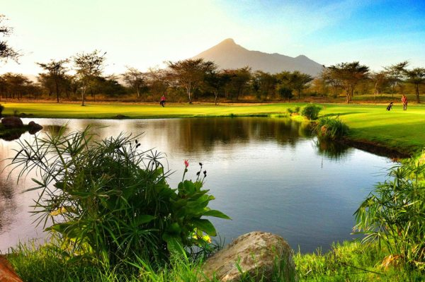 Stretch your legs with a game of golf while staying at Legendary Lodge. © Legendary Expeditions
