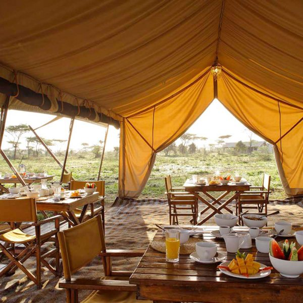 Although you're camping, expect fresh fare when dining at Serengeti Under Canvas. © &Beyond