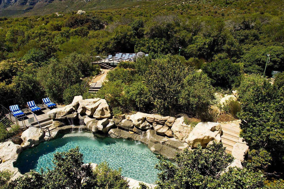 Luxury South African Hotel The 12 Apostles Art Of Safari