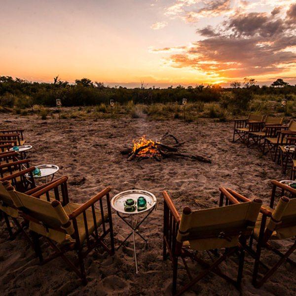 Vumbura Plains hosts fantastic bush dinners in the Okavango Delta. © Wilderness Safaris