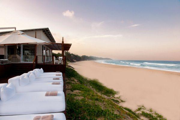 White Pearl Mozambique is set along a pristine beach. © White Pearl Resorts
