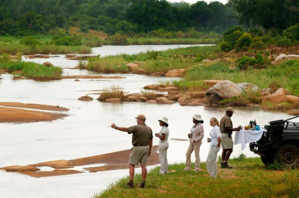 Stop for refreshments and enjoy the views when on game drives from Ivory Lodge. © More Private Travel