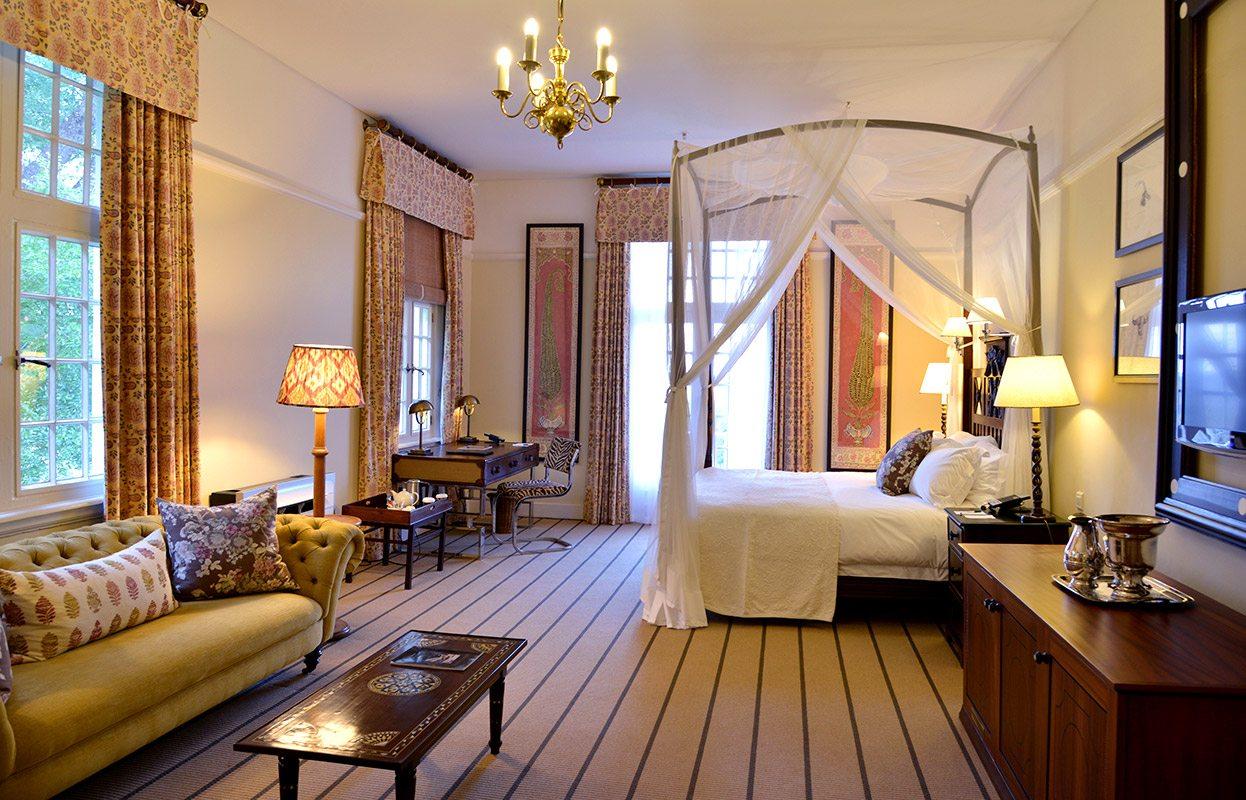 luxury zimbabwe hotel victoria falls hotel art of safari. Black Bedroom Furniture Sets. Home Design Ideas
