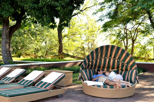 Victoria Falls Hotel promises complete relaxation. © Victoria Falls Hotel