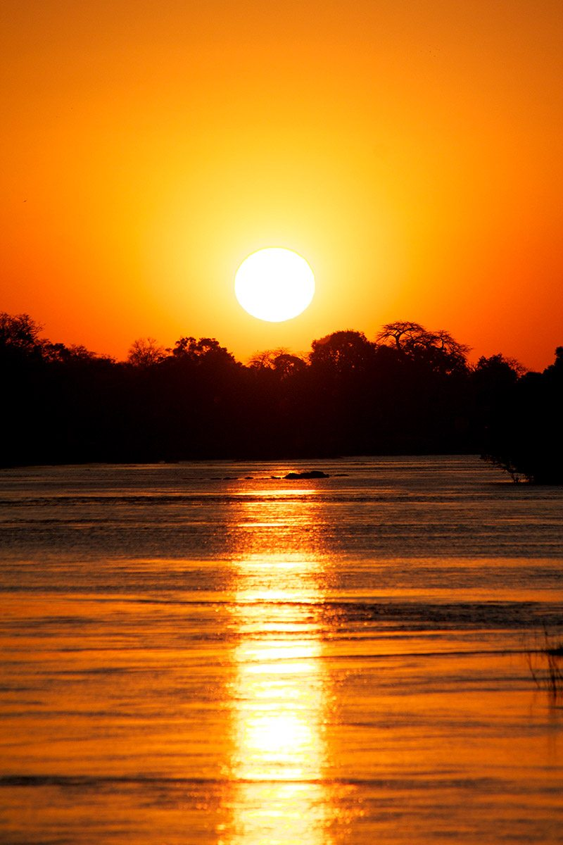 Luxury zimbabwe safari lodge victoria falls river lodge Sunset lodge