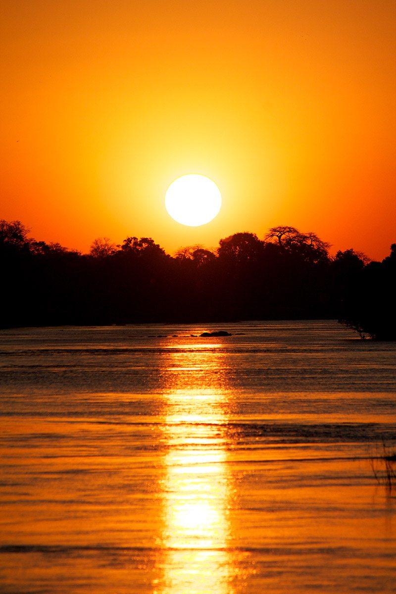 Luxury zimbabwe safari lodge victoria falls river lodge Sunset lodge