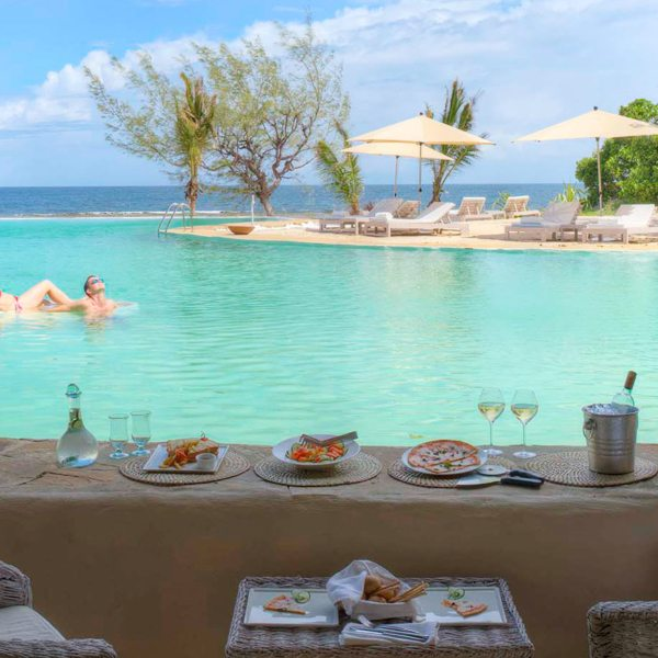 At The Ocean Spa Lodge you can lunch right at the pool.