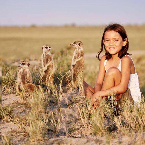 Kids will love meeting the Makgadikgadi meerkats. © Uncharted Africa