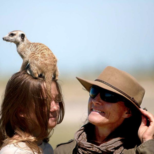 Prepare for a tail in your face if you visit the meerkats in the Makgadikgadi. © Uncharted Africa