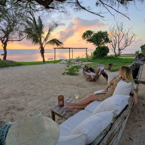 Watch the sky change colours with a refreshing sundowner at The Ocean Spa Lodge. © The Ocean Spa Lodge