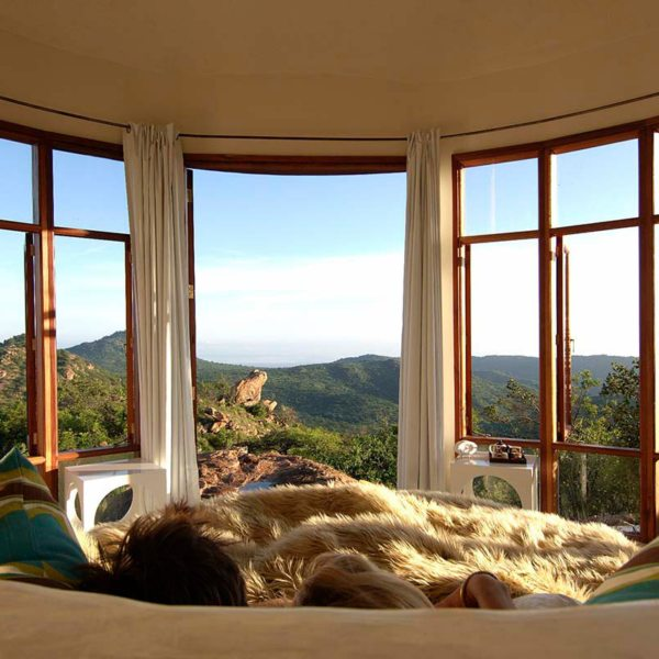 The two-sleeper Eyrie at The Sanctuary at Ol Lentille is a romantic bolthole in an African retro style. © Ol Lentille
