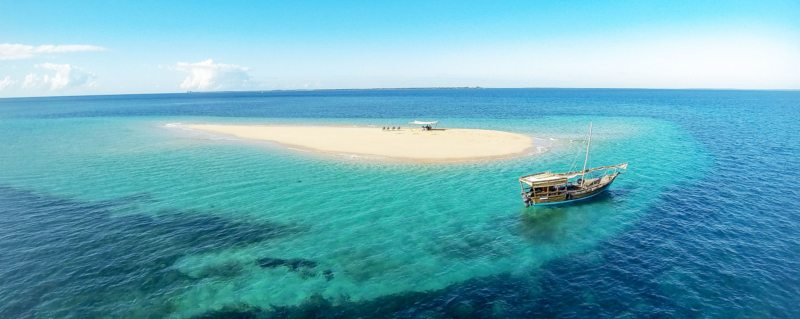 Visit remote sandbars when island hopping on a Quirimbas dhow safari.