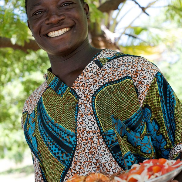 Lunch is always served with a smile in Mozambique. © Ibo Island Lodge