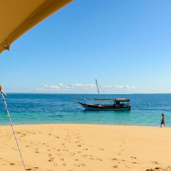 From Ibo Island Lodge you can find a private sandbank and call it your own. © Ibo Island Lodge
