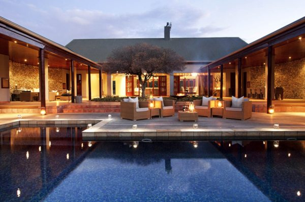 Melton Manor has an inviting swimming pool. © Kwandwe Private Game Reserve