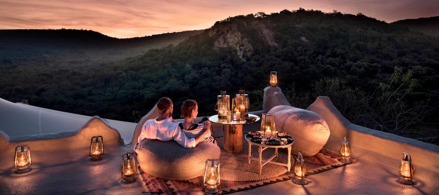SouthAfrica_KwaZuluNatal_andBeyondPhindaRockLodge_Roof Top Dining_Private Dinner