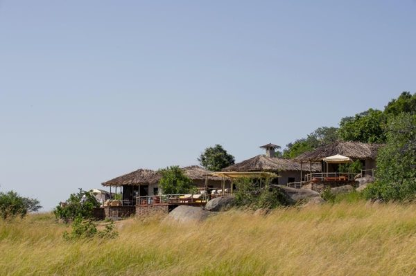 Mkombe's House has a commanding position on a koppie overlooking the Serengeti. © Nomad Tanzania