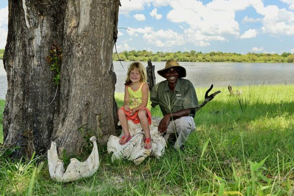 The staff will keep your kids entertained at Victoria Falls River Lodge. © Victoria Falls River Lodge