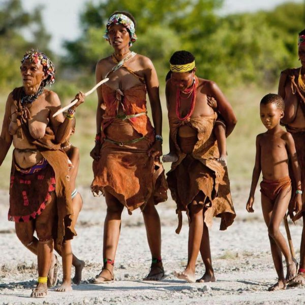 The San have been roaming the Kalahari since roughly 44,000 BCE. © Uncharted Africa