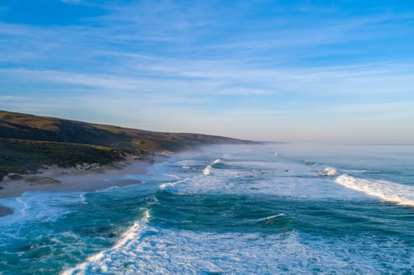 The Indian Ocean washes up on the shores near Lekkerwater Beach Lodge. © Lekkerwater Beach Lodge